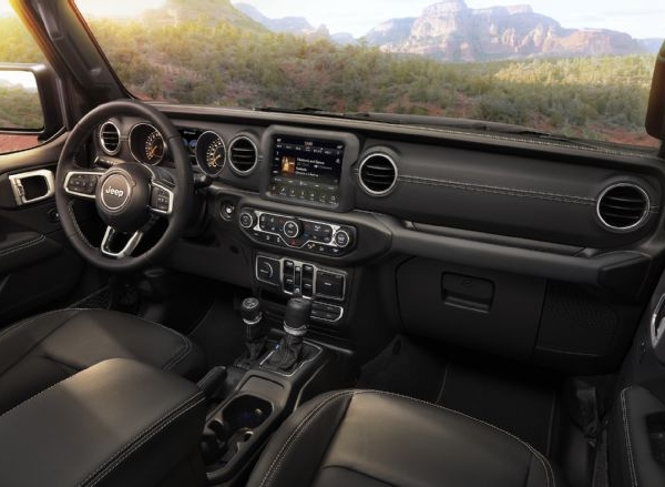 2018-jeep-wrangler-interior-226