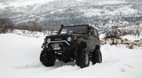 Album- Toyota FJ70 on snow