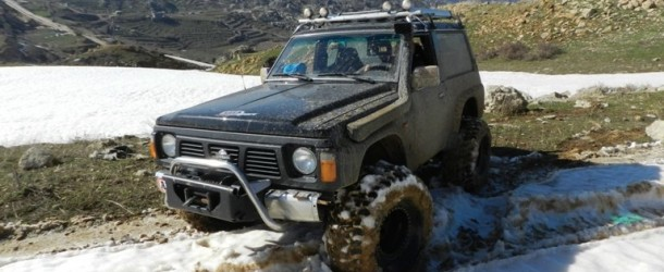 Video- Nissan Patrol and Range Rover on snow and mud
