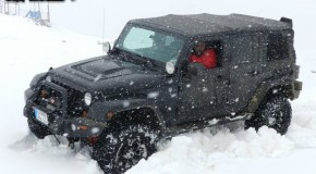 Video: Wrangler Rubicon with V8 HEMI on snow