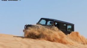 Video : Sand dune climbing and 4&#215;4 drag Race in Dubai